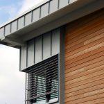 Materialmix am Gebäude